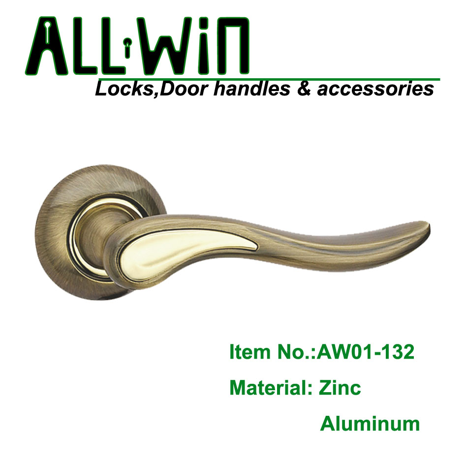 AW01-132 door handles and lock